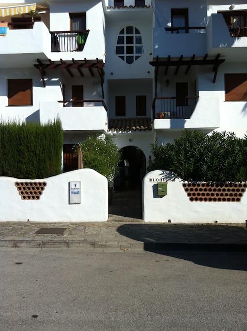Apartamento en atlanterra apartamentos en alquiler en for Casas con piscina zahara delos atunes