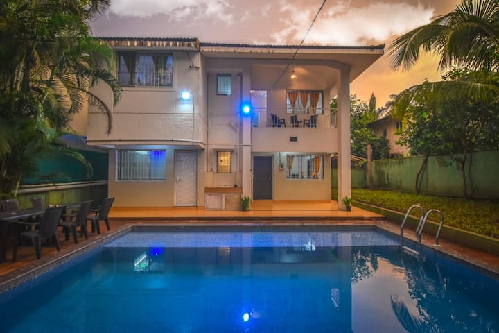 4BHK-WHITE UNICORN VILLA/AC/POOL/GAMES/BBQ/BONFIRE