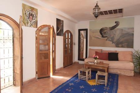 Chez l'artiste dans village berbère - Aghmat