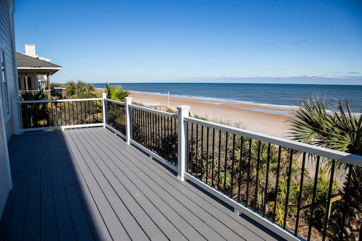 Seascape - Private beach and sleeps 16 + infant