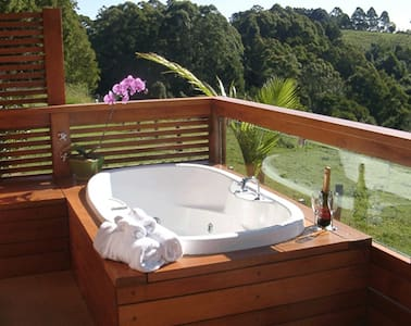 Poolside Spa Cabin Mountain Views (Summer Dec/Jan) - Bangalow