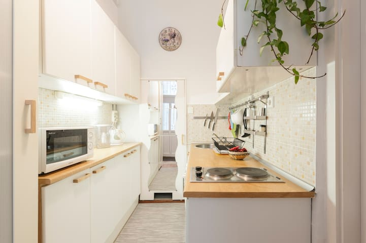 Romantic home with WiFi close to Heroe's Square - Budapest - Apartemen