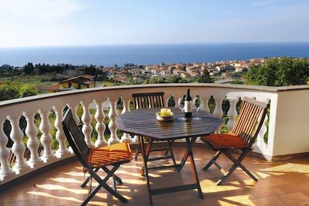 villa bellavista - House