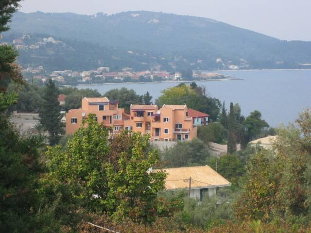 Kleine penthouse, zeezicht, zwembad - Lefkada - Leilighet