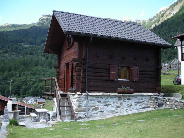 Rustico im Grünen - Campo (Vallemaggia) - Casa