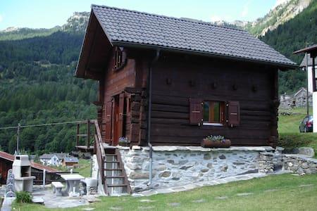 Casa-Rustico nella natura - Campo (Vallemaggia) - Rumah