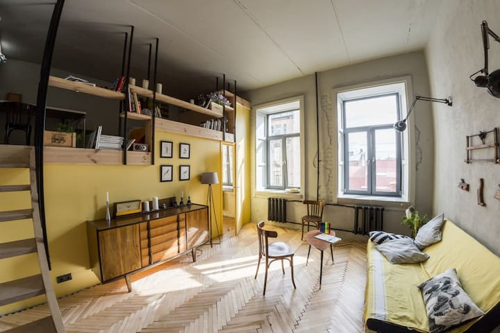 Sunny two-level flat near Mariinsky & New Holland