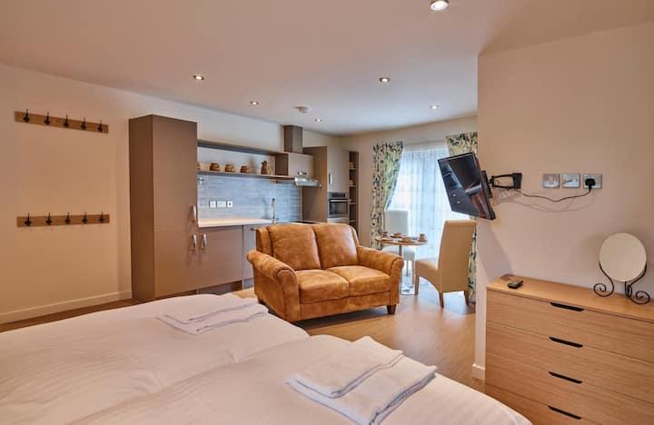 Topaz One Bedroom Studio Apartment