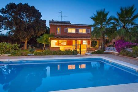 Schönes Haus mit Pool, Grill, Garte - Ibiza - Talo