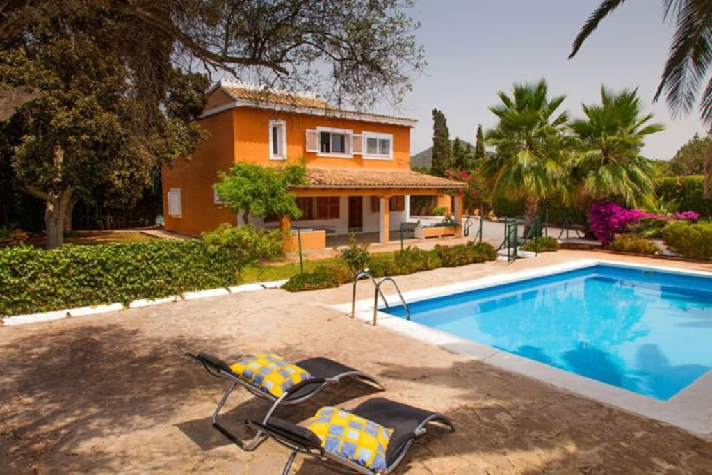 Beautiful House With Swimming Pool Houses For Rent In