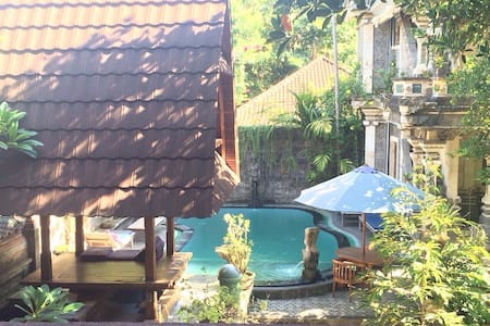Ubud Palace & Market Sania Bungalow with fan - Ubud - Guesthouse