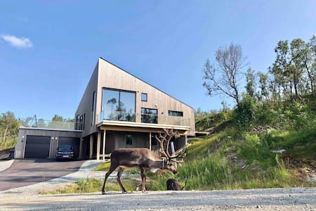 Spectacular new build house with an amazing view!