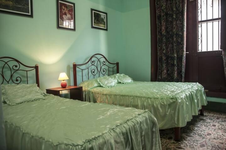 Casa Colonial 1893 (Habitación #1)