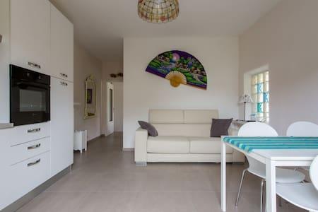 ACCOGLIENTE BILOCALE VICINO AL LAGO - 佩斯基耶拉德尔加尔达 (Peschiera del Garda) - 公寓