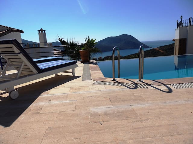 Villa private pool air con sea view - Kalkan - Casa