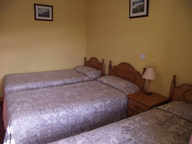 Áras GCC - Triple Room - Glencolumbkille - Bed & Breakfast