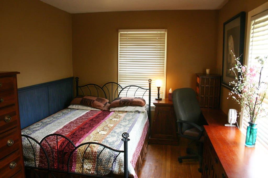 Beautiful 5 bedroom hardwood home!