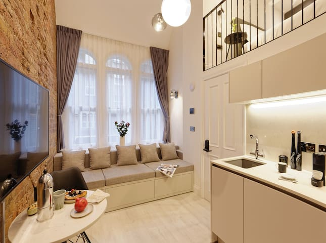 ♡Mezzanine loft +Japanese WC at  Notting Hill