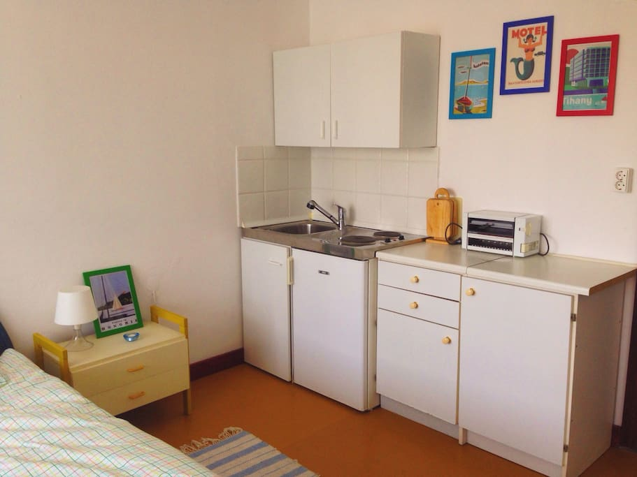 Konyhasarok / room with kitchen