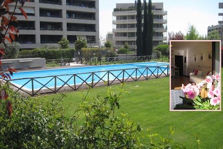 Sunny Garden Flat with Pool in Rome - Рим