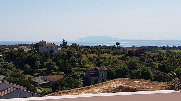 Bas de villa (neuve) vue mer proche plage 2 chbres