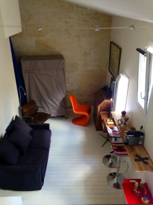 Studio jardin public apartments for rent in bordeaux for Louis jardin wine