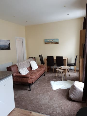 Cosy apartment on 1st floor Portrush Main Street