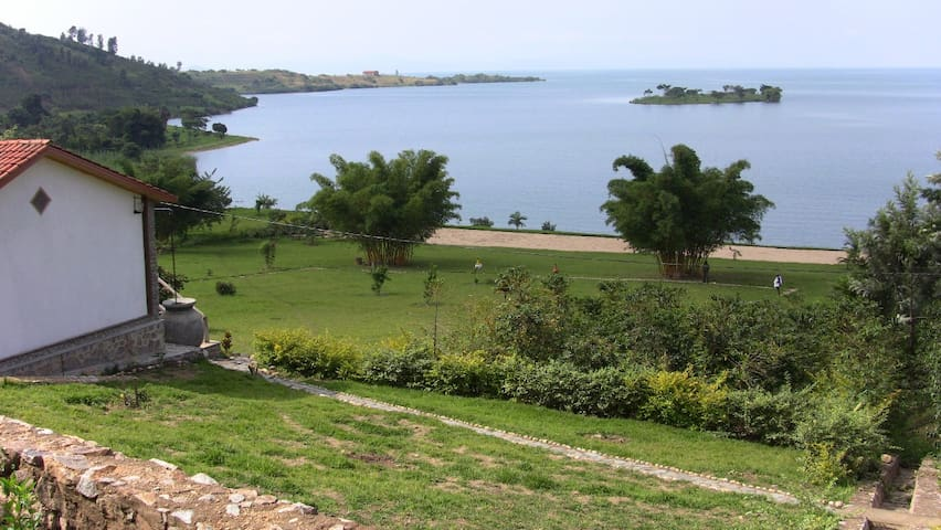 Beautiful Lodge on Lake Kivu with natural beach - Kigali - Natuur/eco-lodge