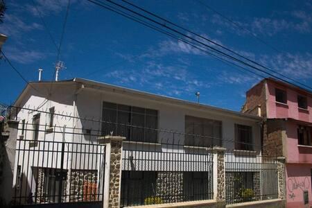 La Paz, Sopocachi, Entire home, 8 beds, 2 rooms