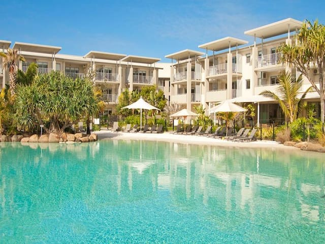 PEP4304 ONE BEDROOM OCEAN VIEW SPA SUITE - Kingscliff - Appartement