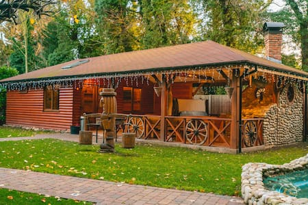 The Retreat Sauna & Hot Tub Boutique Rooms