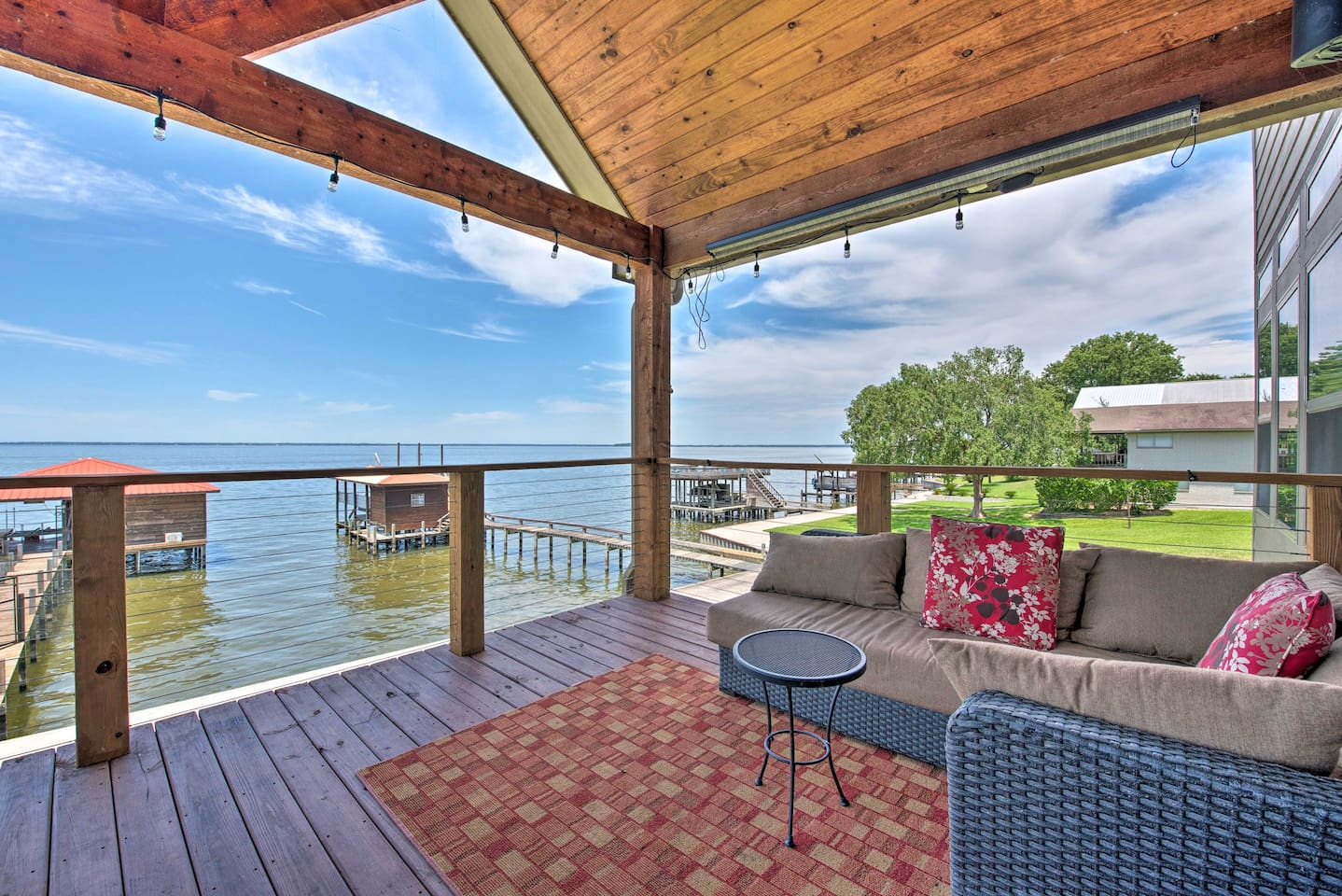 Enjoy a luxurious lakefront vacation on the shores of Lake Livingston!
