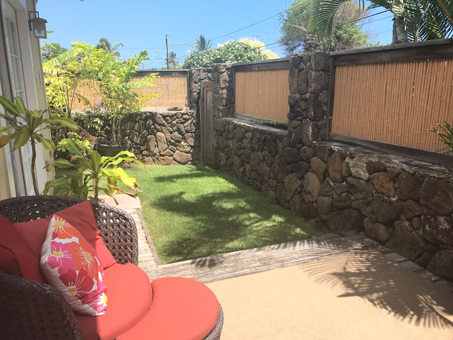 Private deck, yard and entrance