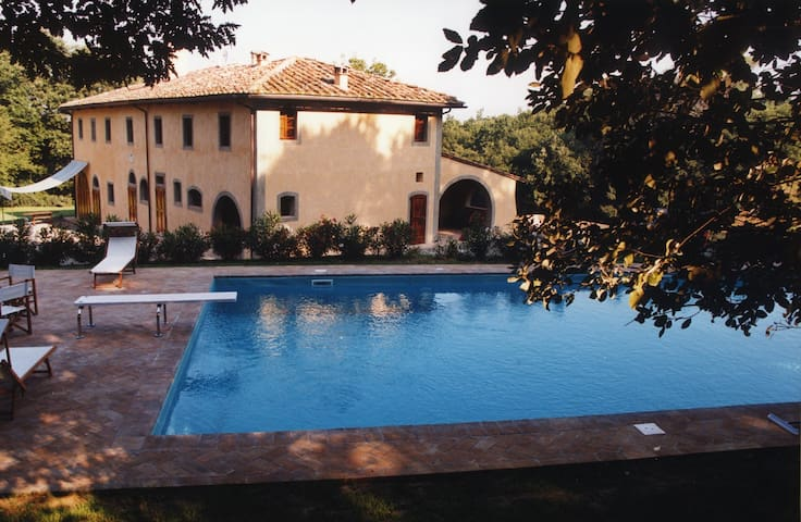Historic villa with annex, pool and tennis court - Ponsacco
