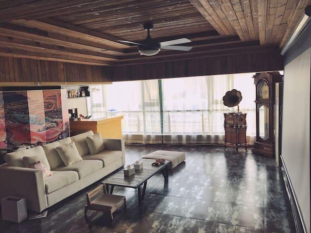 【有所民宿】18楼顶楼复式/150平公区/两人间床位房/落地窗看黄河