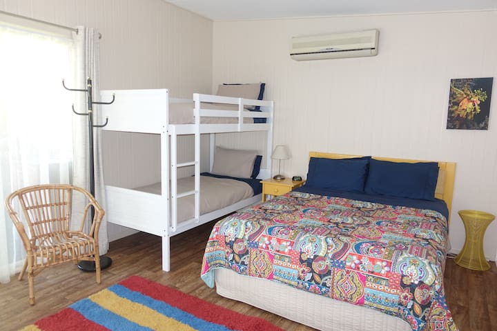 Studio 14 - perfect location in the heart of Yamba - Yamba - Rumah