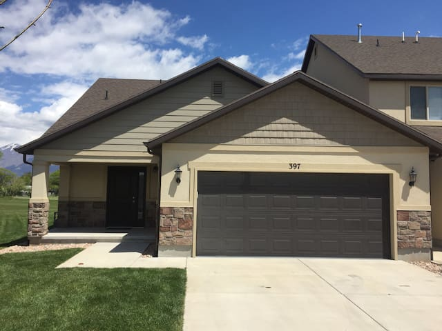 Spanish Fork Townhome for Up to 3 Guests!