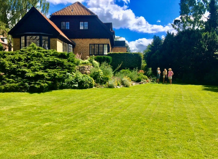 Lovely villa and beautiful garden, 20 min from Cph