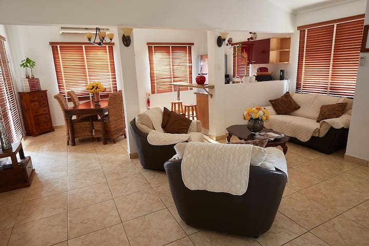 Your home away from home in Eagle area Aruba