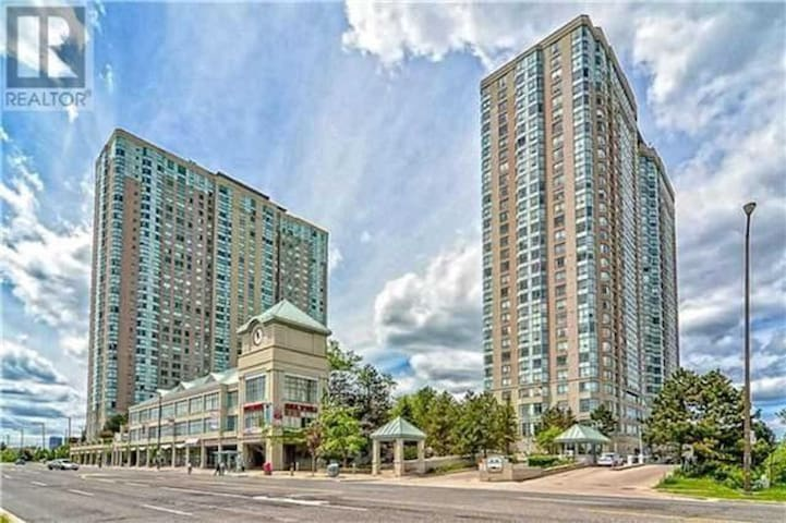 Condo with Pool, Gym, Bowling alley + Tennis court