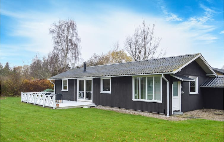 Holiday cottage with 3 bedrooms on 81m² in Slagelse