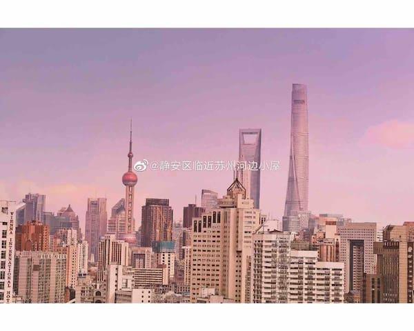 上海静安区临近苏州河边小屋
