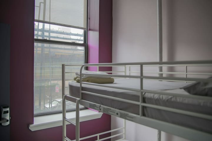 ★Single Bed in a 4-bed Female Dorm Room★
