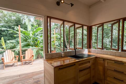Mango Treehouse in a peaceful and private setting