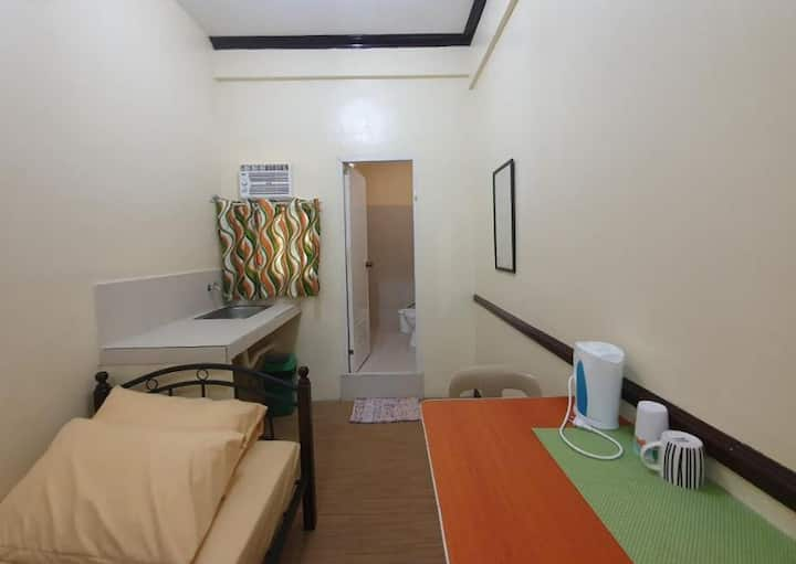 Cheap Private Room in Manila - Christmas Promo
