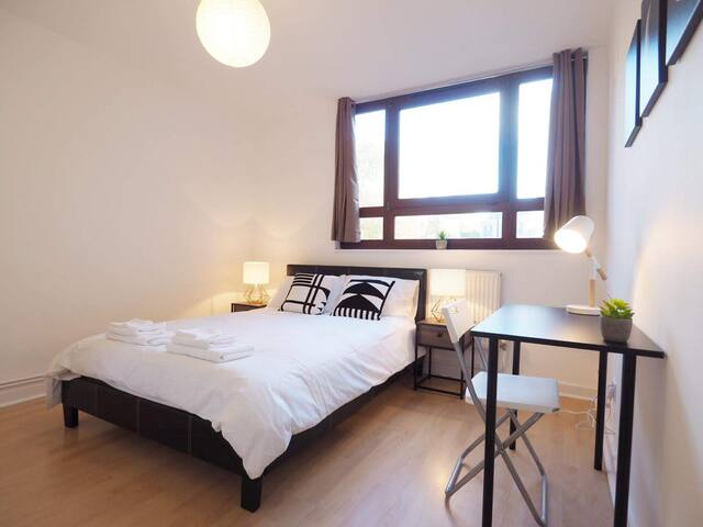 *Affordable 1/2B Old Street Shoreditch Park Zone 1