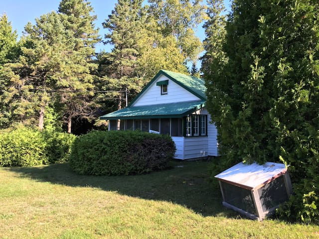Traditional cottage near the lake in Oliphant - Wiarton - Cabin