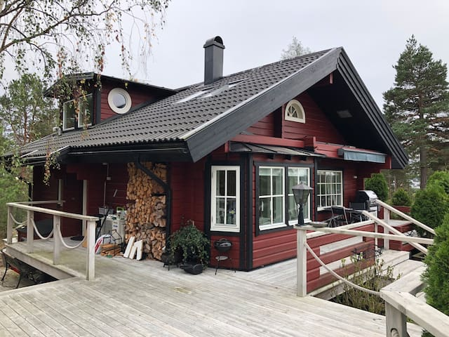 Dreamhouse in the Archipelago with jacuzzi