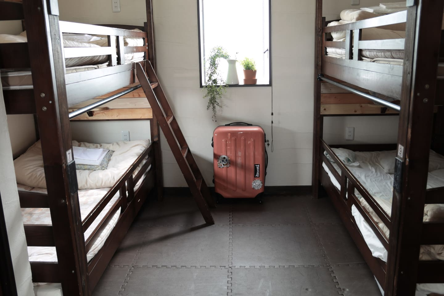 Dormitory room up to 5 person  5名様までの相部屋
