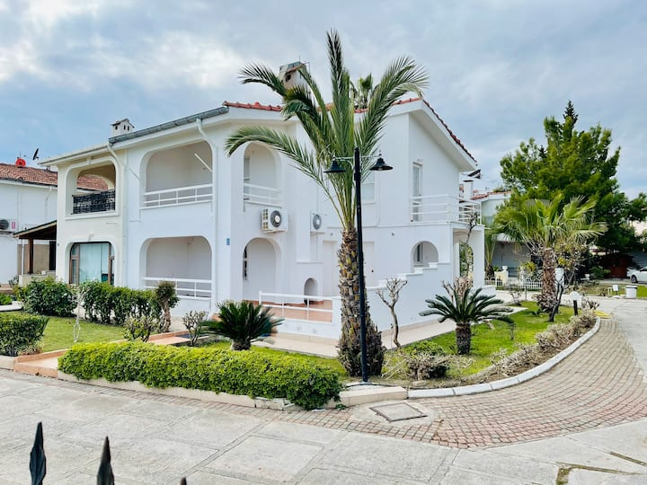 Villa near sea in Çamyuva